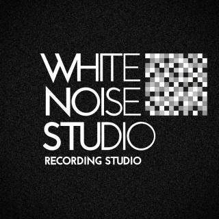 White Noise Studio logo vierkant