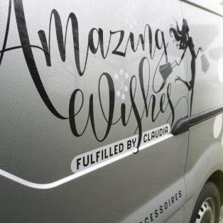 Amazing-Wishes-bedrijfswagen-zijkant